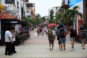 Quintana Avenida tourist strip Mexico